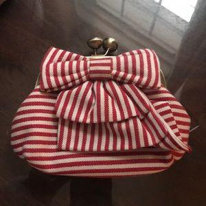 Nila Anthony striped bow clutch w shoulder chain